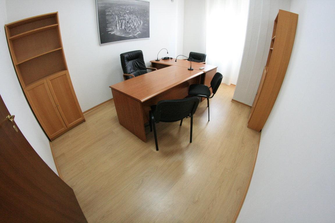 Casalnuovo di Napoli affitto ufficio direzionale sala riunioni posti auto da euro 239