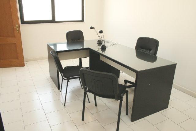 Casalnuovo di Napoli affitto ufficio flessibile low cost con parcheggio euro 150