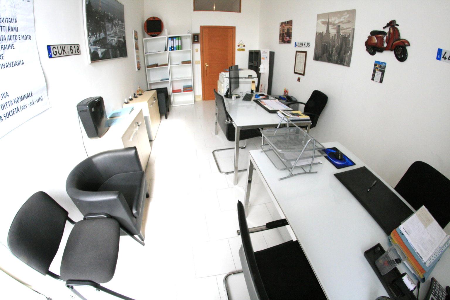 Napoli affitto laboratorio chiavi in mano €200 mese