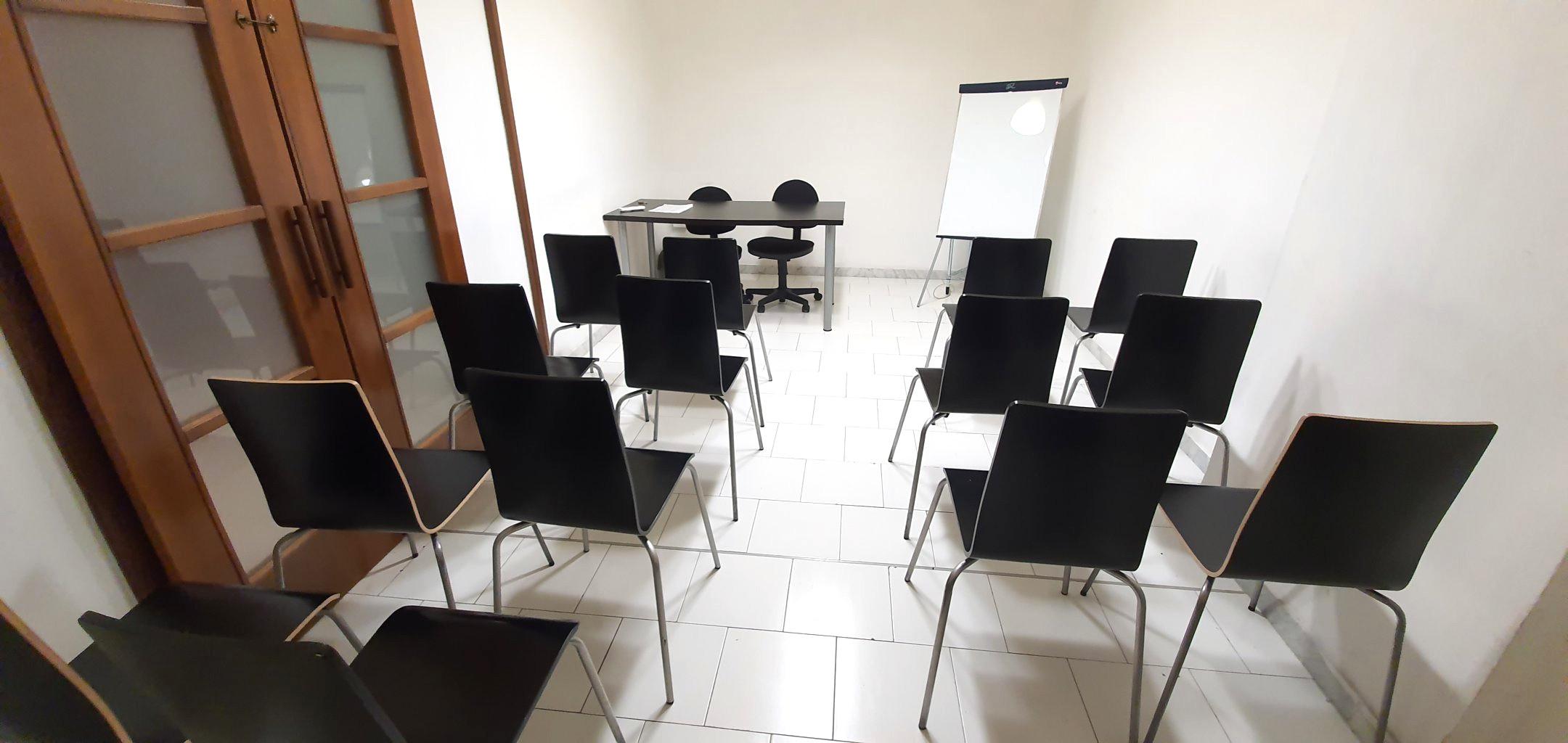 Napoli affitto sala riunioni euro 49 giorno